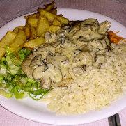 Taverna Vakchos. Филе говядины в грибном соусе
