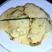Тапас-бар Eslava. Тендерлоин с сыром Кабра