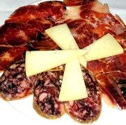 Ресторан Charolais. Сырно-мясная тарелка
