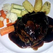 Ресторан Charolais. Филе говядины в соусе порто
