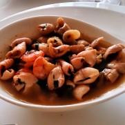 Ресторан Mar a Mesa. Салат из морепродуктов