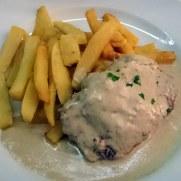 Ресторан Brasserie. Филе говядины в соусе рокфор