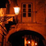 Ночь, улица, фонари. Модика. Сицилия 2010