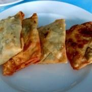 Ресторан Veggera. Пирожки с сыром и разными травами