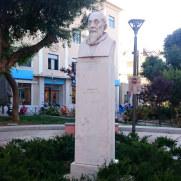 Памятник Эль Греко в Центральном парке Ираклиона. Крит, 2015