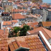 Крыши домов. Лиссабон, Португалия. 2010
