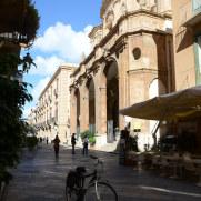 Фасад кафедрального собора в Трапани. Сицилия, 2015