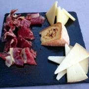 Ресторан Aben Humeya. Сыр и хамон