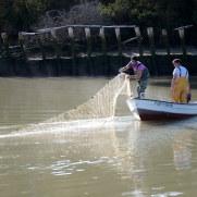 Рыбаки на реке Гвадалквивир. Национальный парк Доньяна. Санлукар-де-Баррамеда. Испания, 2015
