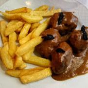 Ресторан La Caserola. Тушёная говядина