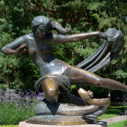 Скульптура «Эгле — королева ужей». Парк Birutes. Паланга, 2016