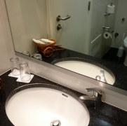 Ванная. Гостиница Raga. Фуншал, Мадейра, 2016