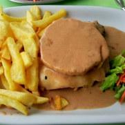 Мясо по-португальски. Ресторан Salgueiro. Порту Мониш, Мадейра, 2016