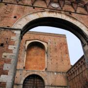Porta Pispini.  Сиена, Италия, 2011