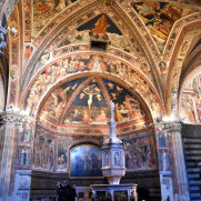 Баптистерий собора Сиены, Италия, 2011