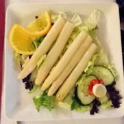 Салат со спаржей. Ресторан Las Viandas. Фуенхирола, 2017