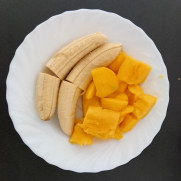 Банан и манго