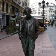 Скульптура Вуди Аллена, Овьедо, Испания, 2011