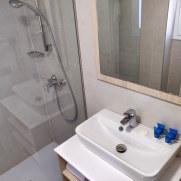 Ванная номера 3-306. Гостиница Pierre et Vacances Cecilia. Мальорка, 2019