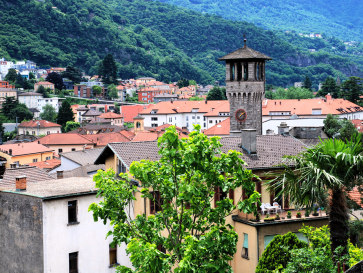 Беллинцона. Старый город и башня Городского дворца