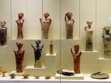 Микены. Археологический музей. Фигурки из глины