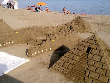 Фуэнхирола. Скульптуры из песка