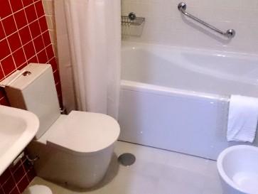Гостиница Alcides. Ванная