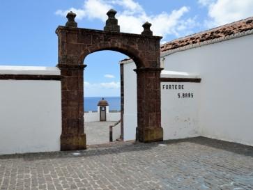 Форт Сан Браз. Вила ду Порту. Санта Мария