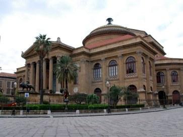 Оперный театр.  Палермо, Сицилия. 2010