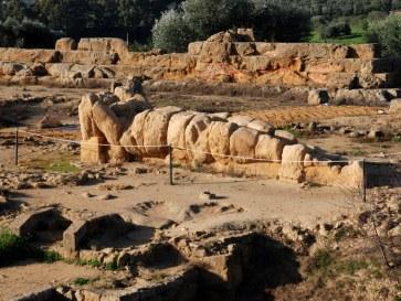 Колосс в храме Зевса. Агридженто. Сицилия. 2010