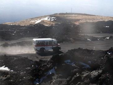 Внедорожные автобусы - транспорт к вершине вулкана Этна