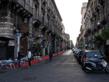 На улицах города. Катания. Сицилия, 2010