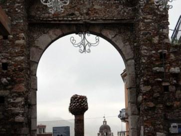 Ворота Мессины. Таормина, Сицилия. 2010