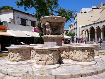 Фортан Моросини (фонтан со львами). Ираклион, Крит. 2015