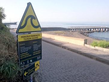 Предупреждение о цунами. Стромболи. Италия. 2015