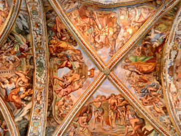 Роспись на центральном неве. Собор Сан Бартоломео. Липари. Италия, 2015