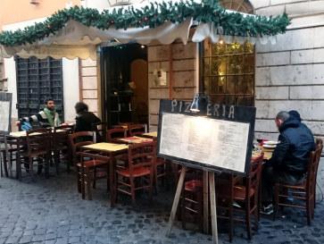 Пиццерия La Scaletta. Вид с улицы