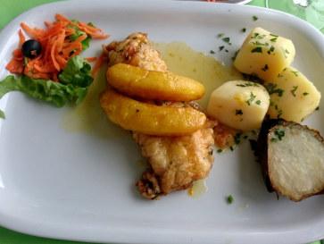 Рыба Эшпада с бананами. Ресторан Salgueiro. Порту Мониш, Мадейра, 2016
