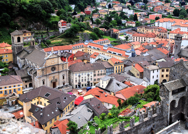 Беллинцона. Старый город. Вид из замка Кастельгранде