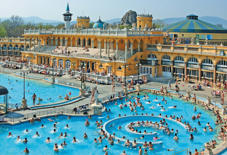 szechenyi-baths-bathbudapest.com.jpg