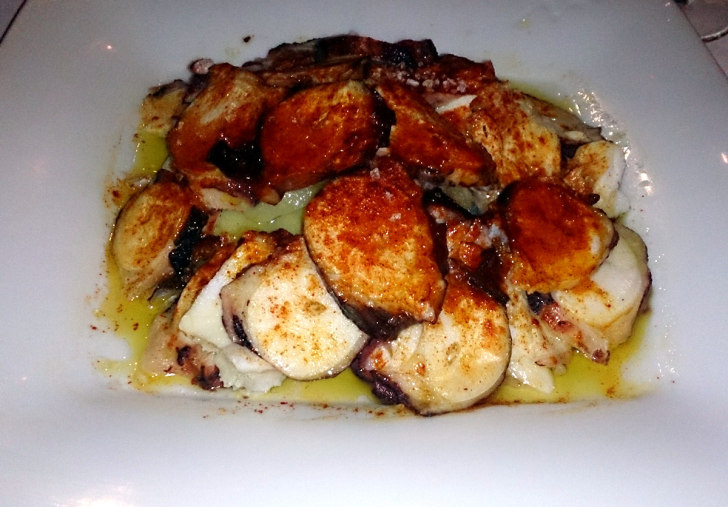 Ресторан Las Viandes. Осьминог