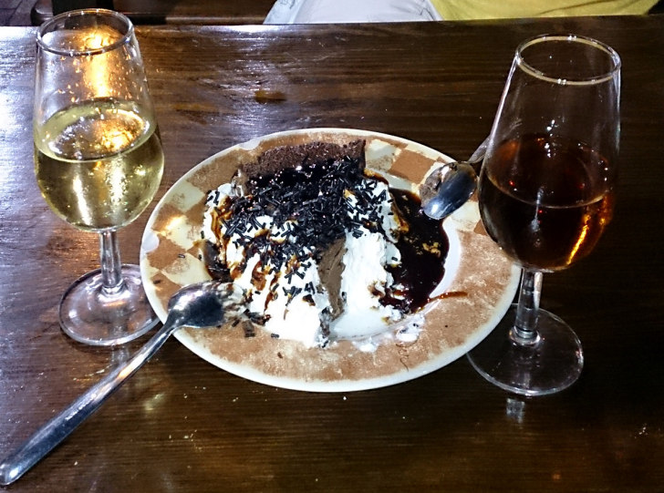 Ресторан Meson del Asador. Десерт и херес