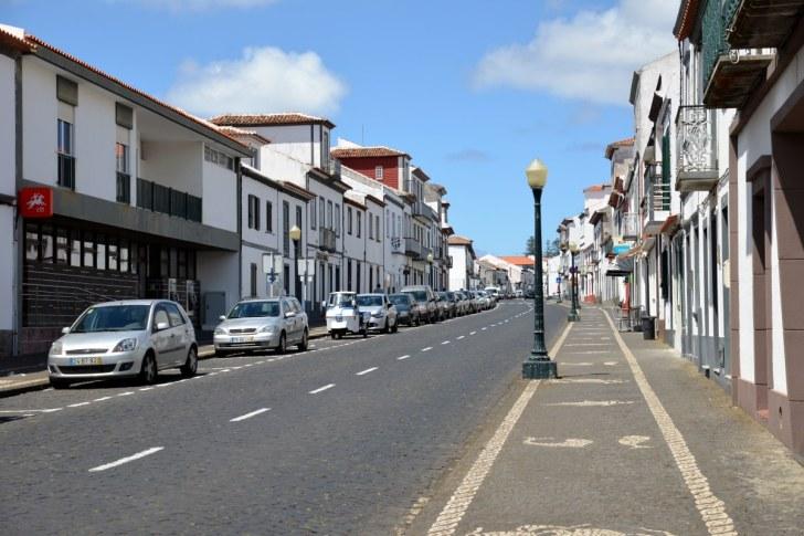 Улица города Вила ду Порту. Санта Мария