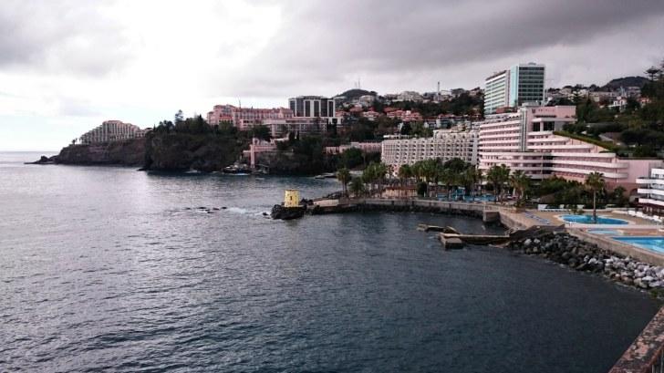 Отель Рейдс (в центре). Фуншал, Мадейра