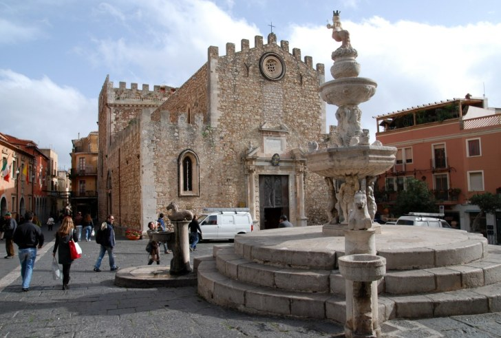Домская площадь. Piazza Duomo. Таормина, Сицилия. 2010
