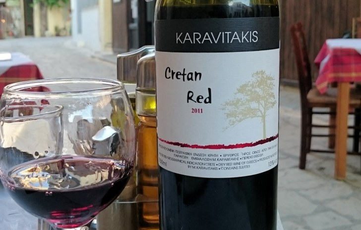 Таверна Geronymos. Критское вино