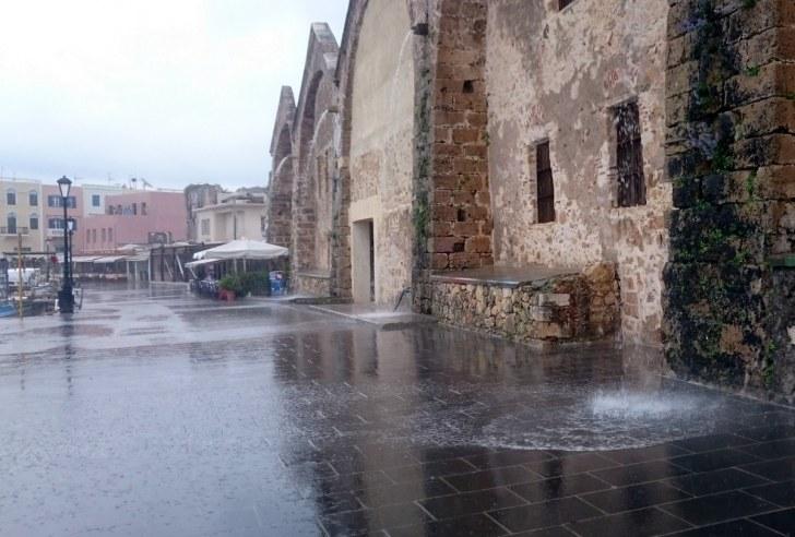 Дождь. Ханья, Крит. 2015