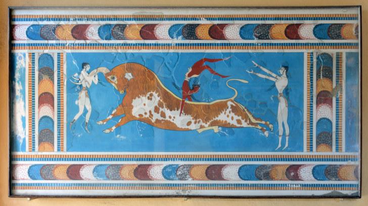 Таврокатапсия (прыжки через быка). Копия фрески. Кносос, Крит, 2015