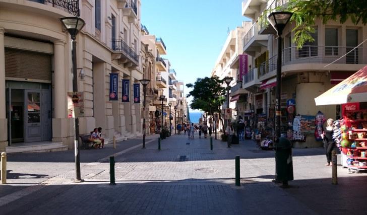 Улица 25 августа. Ираклион, Крит, 2015