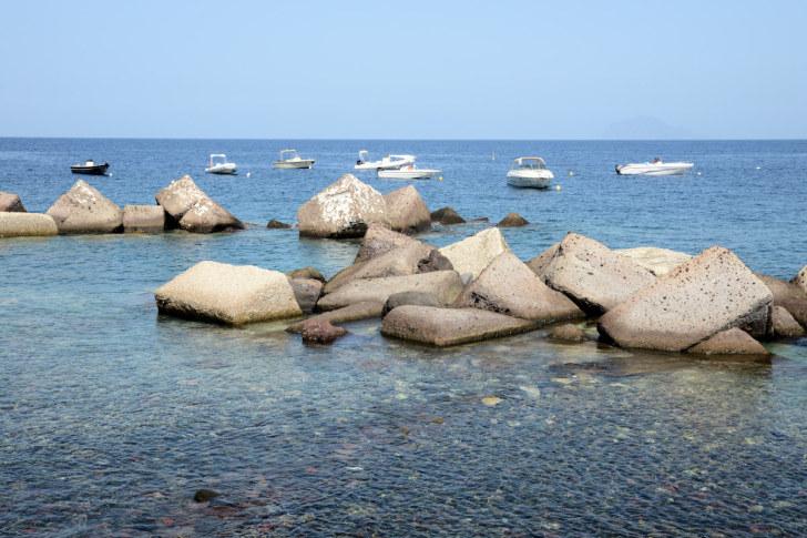 Лодки. Лингва. Остров Салина, Италия. 2015